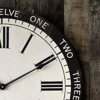 שעון קיר- PENDULUM שחור לבן