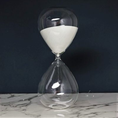 שעון חול - לבן