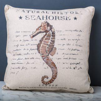 כרית נוי סוסון ים – BEACH HOUSE מרובעת