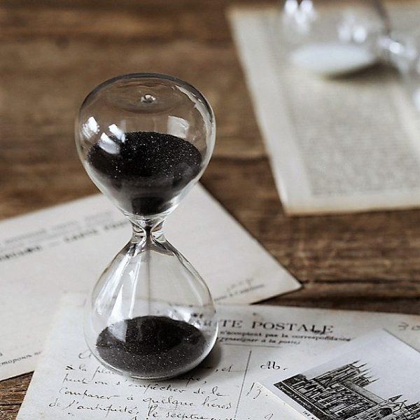 שעון חול - שחור
