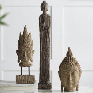 בודהה ענקית עומדת ענק/גדול