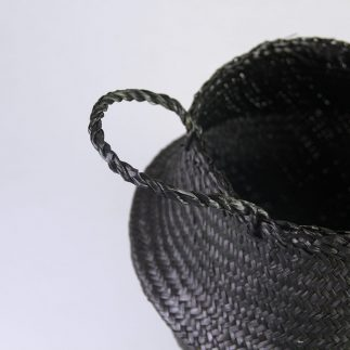 סל מעוצב בצבע שחור