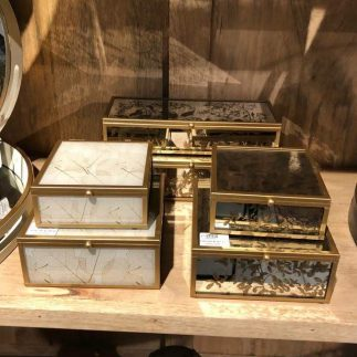 זוג קופסאות תכשיטים מרובעות – SPRING לבן/כסוף