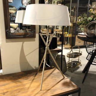 מנורה שולחנית – ORLANDO