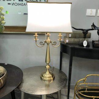מנורה שולחנית – STARK