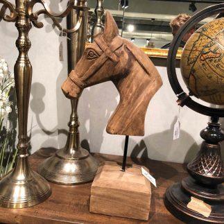 פסל – WILD HORSE