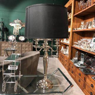 מנורה שולחנית – NEST