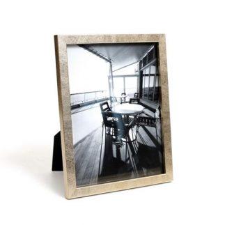 מסגרת לתמונה – GOLDA