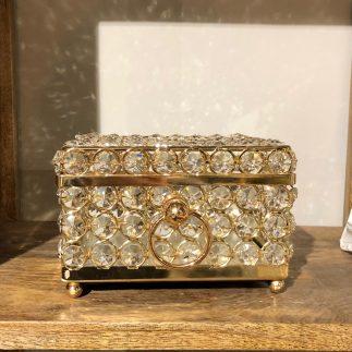 קופסת תכשיטים משובצת אבני קריסטל – ריבוע