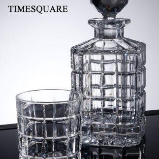 שישיית כוסות וויסקי + דיקנטר קריסטל – TIMESQUARE