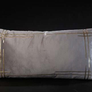 כרית נוי מלבנית – TOUCH אפור בהיר