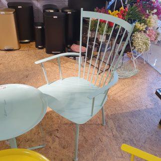 כיסא – TRAVIS טורקיז