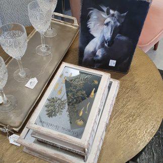 זוג ספרים לאחסון ונוי – OLIVE