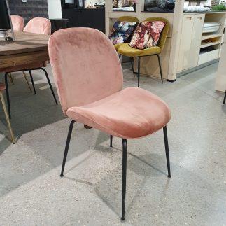 כיסא – MALDINI ורוד + רגליים שחורות