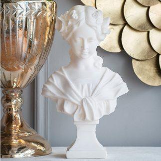 פסל – MADONNA