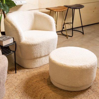 כורסא מעוצבת מבד שאגי - SHEEPY לבן עם הדום/ללא הדום