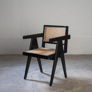 כורסא/כסא – MALUMA
