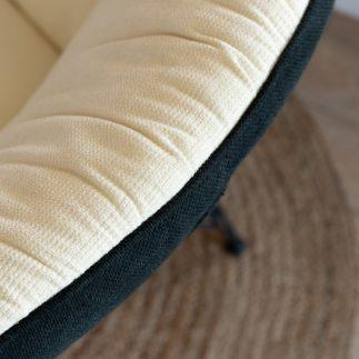 כורסא מעוצבת בצבע לבן – PUFFY