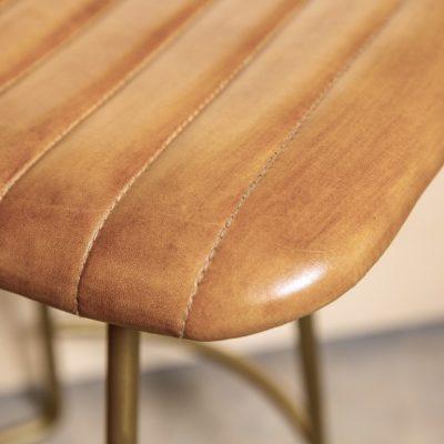כיסא בר דמוי עור חום - WINCHESTER