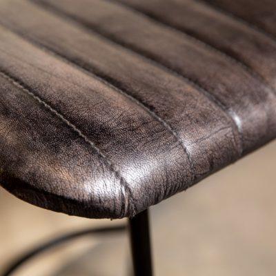 כיסא בר דמוי עור שחור - WINCHESTER