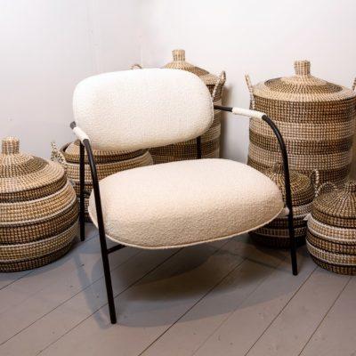 כורסא מעוצבת מבד צמרי לבן - SHAGI
